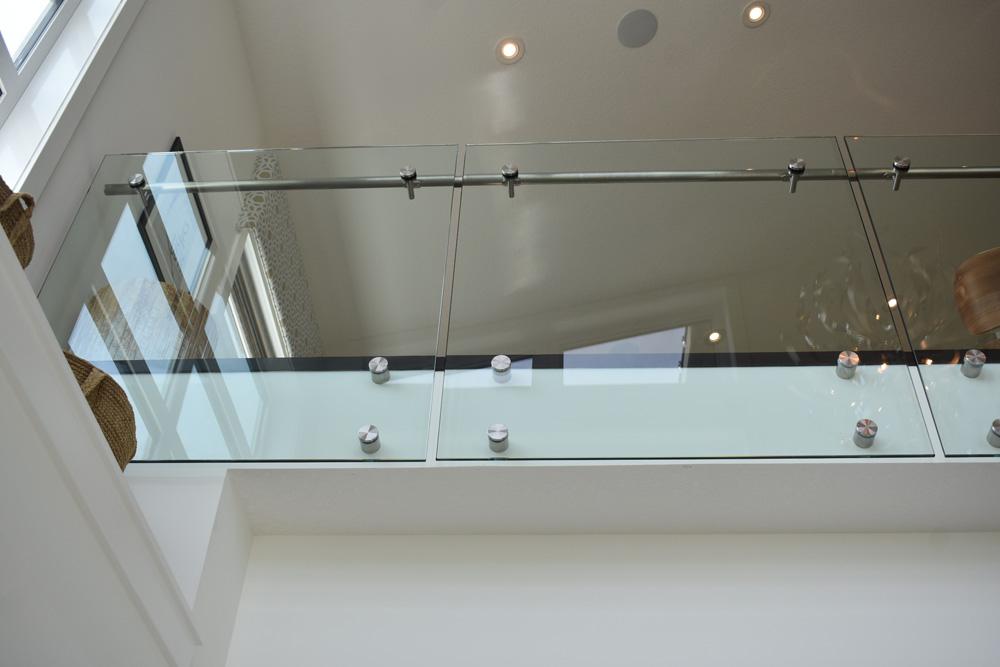 monostringer-glass